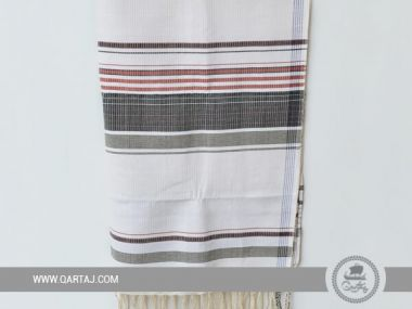 Linen and cotton Kerkenatiss Fouta, handmade with colorful stripes.