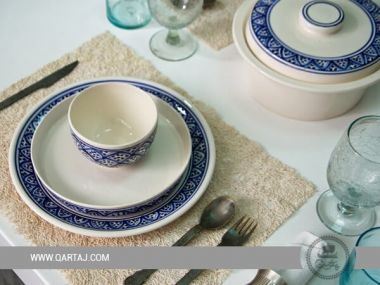 Dinnerware Sets Azouz Round serving deep plates, bowls blue and white