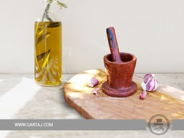 Sejnan clay grinder; Tunisian handicrafts
