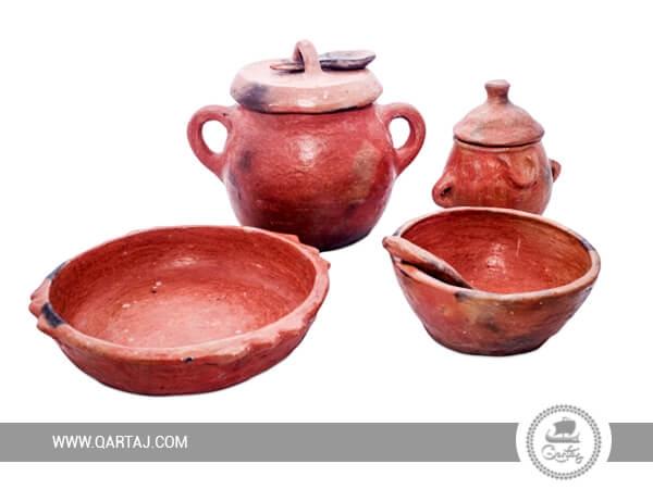 Set of Sajnen : 2 bowls; A tureen; Deep plate